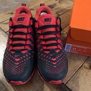 Nike Fingertrap Max Black/Crimson Like new w/box